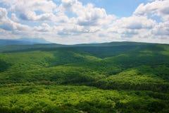 пасмурная долина неба горы Стоковые Фото