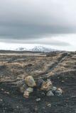 Пасмурная погода над скалистым ландшафтом Стоковая Фотография RF