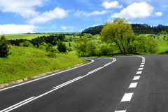 пасмурное небо дороги Стоковые Изображения