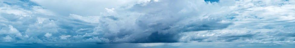 пасмурное небо панорамы Стоковое фото RF