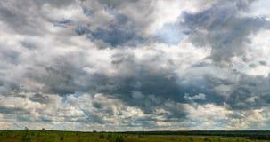 Пасмурное облако кумулюса промежутка времени вздымается промежуток времени, видео- петля акции видеоматериалы