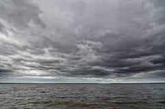 пасмурное темное небо Стоковые Фото