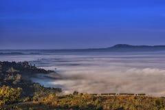 Пасмурные долины стоковое фото