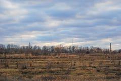 Пасмурный ландшафт с газопроводом Стоковая Фотография RF