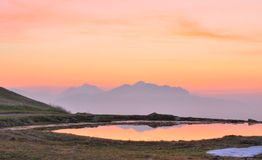 пасмурный восход солнца горы ландшафта Стоковое фото RF
