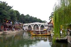 Пасмурный день на летнем дворце, Пекин, Китае стоковые изображения rf