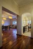 Пасмурный дом - классицистический интерьер Стоковые Фотографии RF