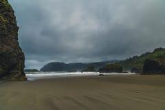Пасмурный день на пляже Стоковая Фотография RF