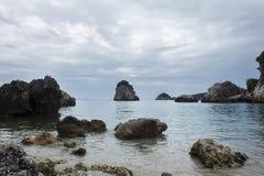 Пасмурный день на пляже Parga Греции Piso Krioneri Стоковое Изображение RF