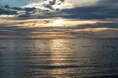 пасмурный заход солнца ландшафта Стоковое Изображение RF