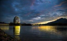 Пасмурный на озере Стоковое Изображение RF