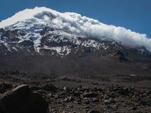Пасмурный Snowy Chimborazo Стоковое Изображение RF