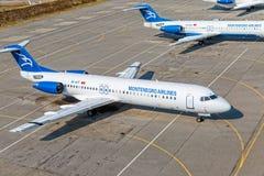Пассажирские самолеты в Подгорице Стоковое Фото