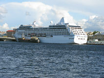 Пассажирский корабль в Санкт-Петербурге Россия Стоковые Фото