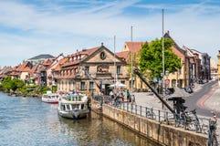 Пассажирский корабль на реке Regnitz в Бамберге Стоковые Фотографии RF