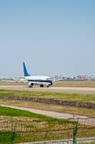 Пассажирский самолет авиапорта Стоковые Фото