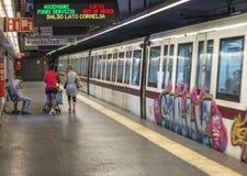 Пассажиры метро города стоковое фото