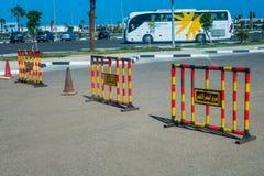 Пассажиры шины ждать Стоковое фото RF