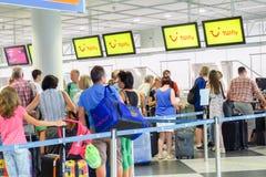 Пассажиры TUIfly стоковые фотографии rf