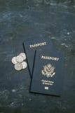 2 пасспорта США на черной предпосылке Стоковая Фотография