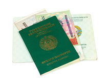 Пасспорт и деньги Узбекистана стоковая фотография rf