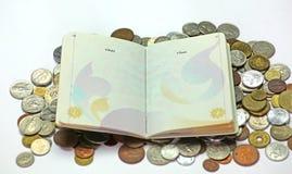 Пасспорт и деньги Стоковое Фото