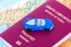 Пасспорт с автомобилем игрушки Стоковые Фото
