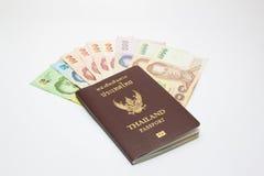 Пасспорт с деньгами стоковые фотографии rf