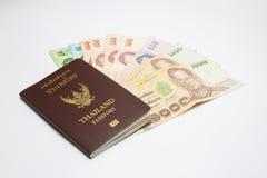 Пасспорт с деньгами стоковое фото rf
