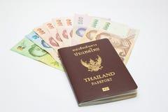 Пасспорт с деньгами стоковое изображение rf