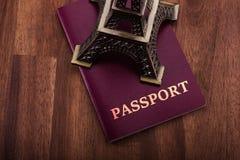 Пасспорт с Eiffel Стоковое Изображение RF