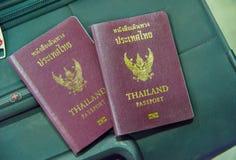 Пасспорт Таиланда на сумке Стоковая Фотография