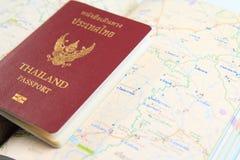Пасспорт Таиланда с картой Стоковое Изображение RF