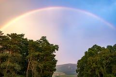 Пастельная радуга над долиной Стоковые Изображения RF