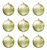 Пастельные желтые шарики рождества изолированные на белой предпосылке Photorealistic высококачественный комплект вектора безделуш стоковое изображение