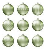 Пастельные зеленые шарики рождества изолированные на белой предпосылке Photorealistic высококачественный комплект вектора безделу стоковые изображения