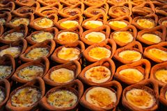 Пасть Kaeng Khanom, рецепт десерта заварного крема фасоли Mung тайский в малом стоковая фотография rf