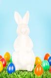 пасхальные яйца зайчика цветастые Стоковая Фотография