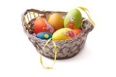 пасхальные яйца корзины цветастые Стоковая Фотография RF