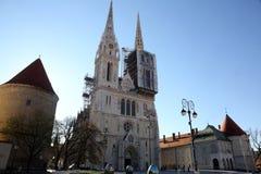 Пасхальные яйца помещенные на квадрате перед собором Загреба Стоковые Изображения
