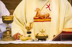 Пасха в католической церкви стоковые изображения