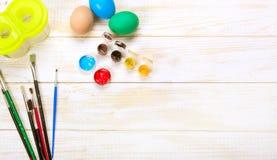 пасха счастливая пасхальные яйца цвета Стоковые Изображения RF