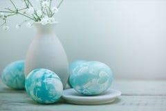 Пасхальные яйца в стиле акварели стоковые изображения