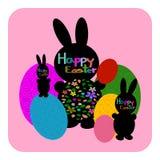 Пасхальные яйца зайчика пасхи и на розовой предпосылке Стоковое Изображение
