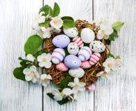 Пасхальные яйца и цветение яблока Стоковая Фотография RF