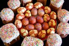 Пасхальные яйца с сахаром Kulich Стоковые Изображения