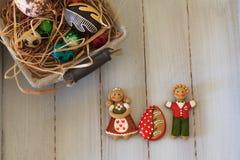 Пасхальные яйца и печенья Стоковые Фото
