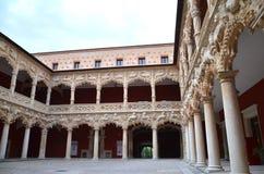 Патио в дворце пехоты в Гвадалахара, Испании Стоковые Изображения