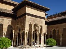 Патио de los Леон в Альгамбра granada Испания Стоковая Фотография RF