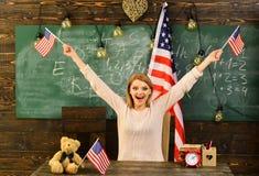 Патриотизм и свобода patritism счастливого Дня независимости celebratin женщины США стоковые изображения